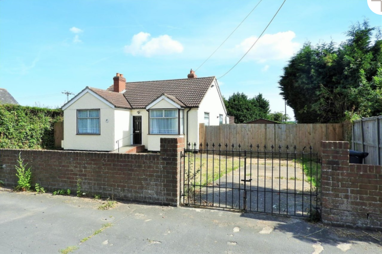 3 Bedrooms House for sale in Woodcote Main Road, London, CM3