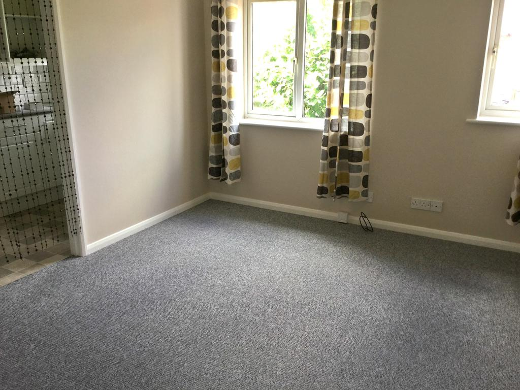 2 Bedrooms Apartment Flat for sale in Bramford Lane, Ipswich IP1