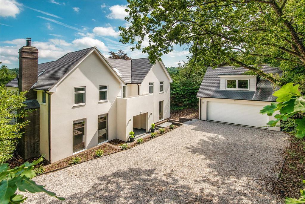 5 Bedrooms Detached House for sale in Beech Avenue, Lower Bourne, Farnham, GU10