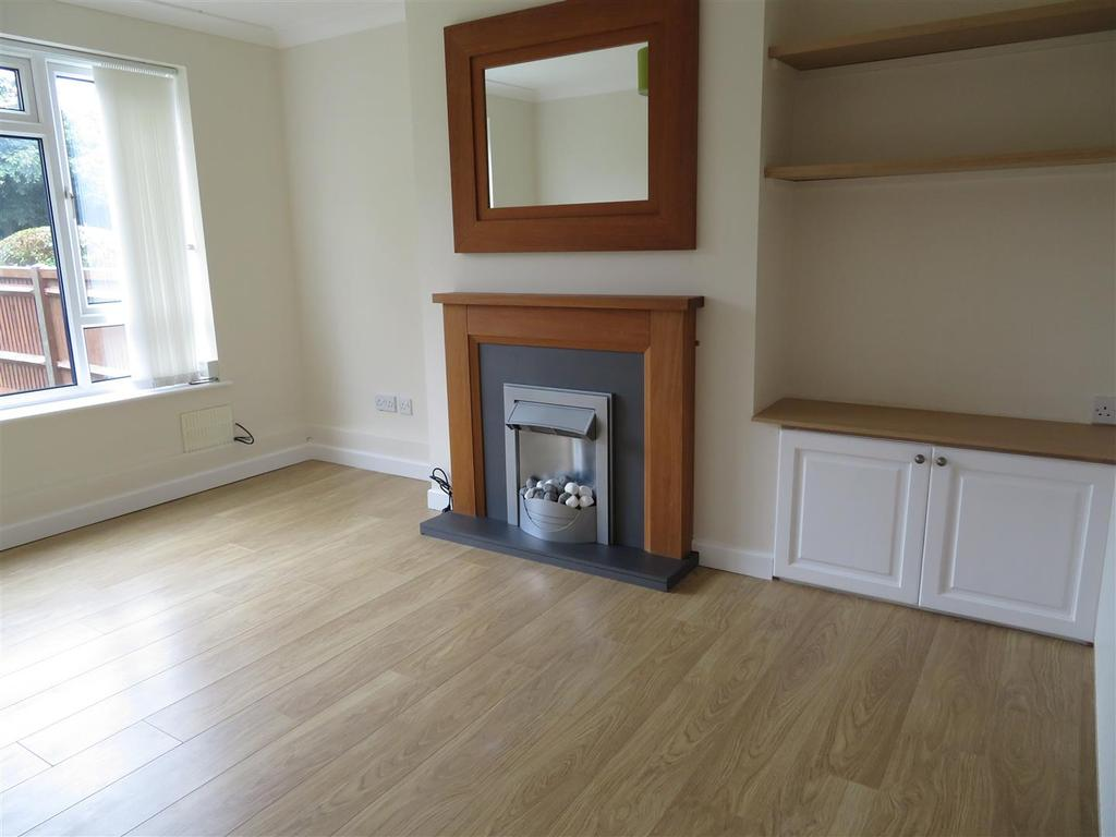 2 Bedrooms Apartment Flat for sale in Alder Drive, Tilehurst, Reading