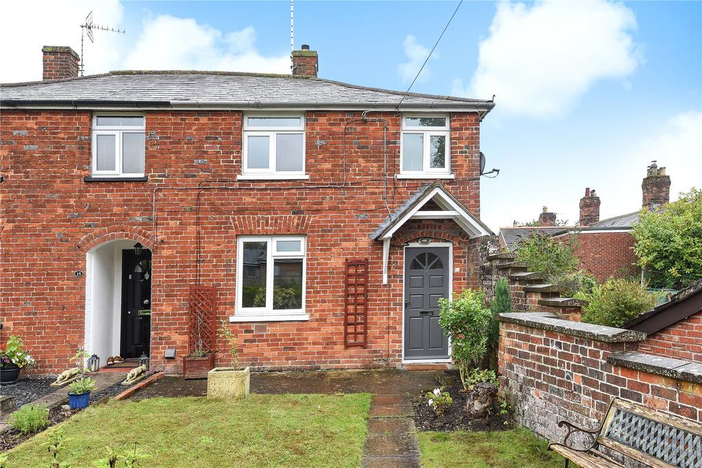 2 Bedrooms Semi Detached House for sale in Kingsbury Street, Marlborough, Wiltshire
