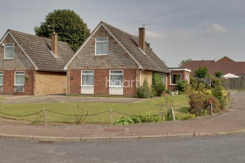3 bedroom bungalow for sale - Meadow Gardens, Norwich