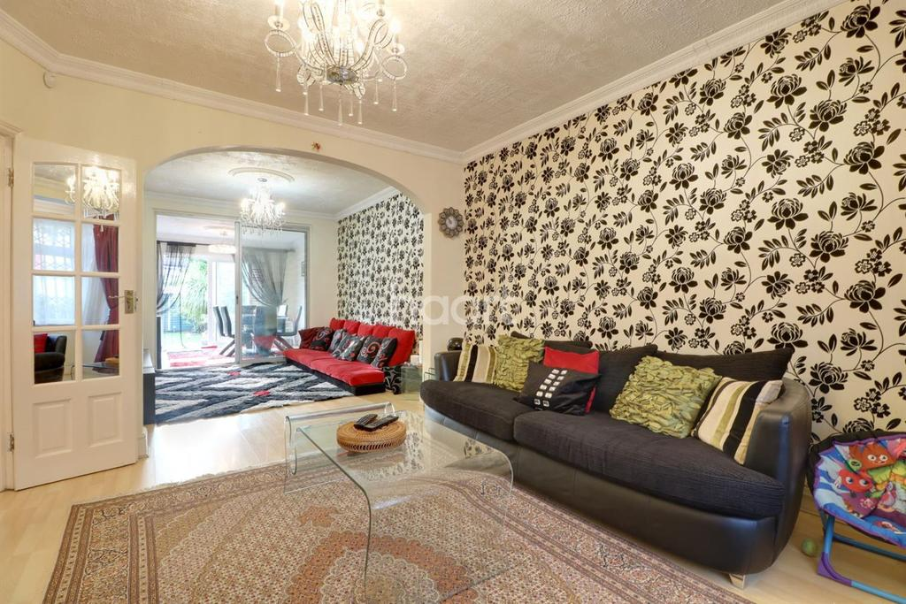 3 Bedrooms Semi Detached House for sale in The Dene, Wembley Park