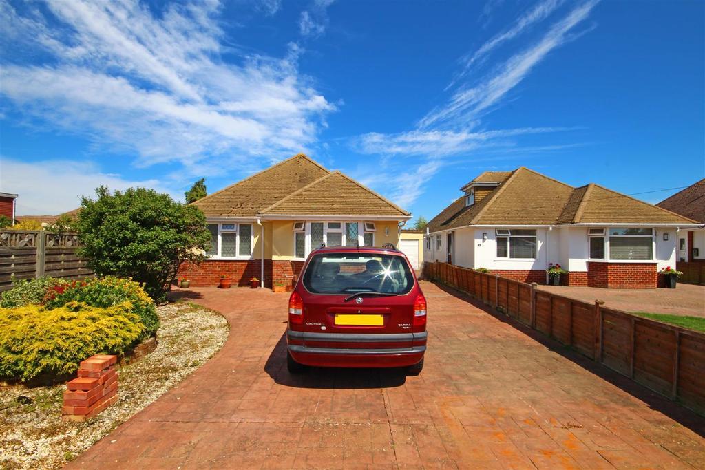 3 Bedrooms Detached Bungalow for sale in Hadlow Way, Lancing, West Sussex