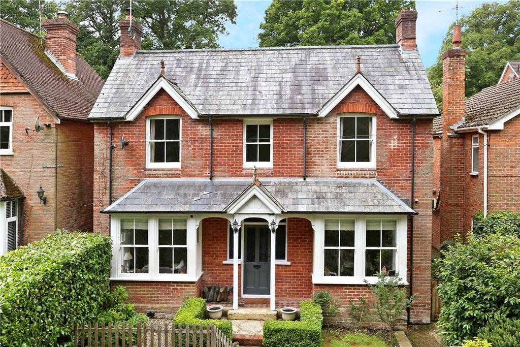4 Bedrooms Detached House for sale in Marley Lane, Haslemere, Surrey, GU27