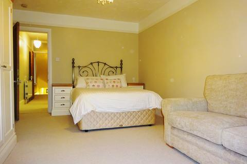 Studio to rent - Victoria Rd  (Rent includes utility bills and Wi Fi), Exmouth  EX8