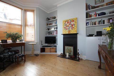 2 bedroom house for sale   St  Thomas s Road  London. Search 2 Bed Houses For Sale In North London   OnTheMarket