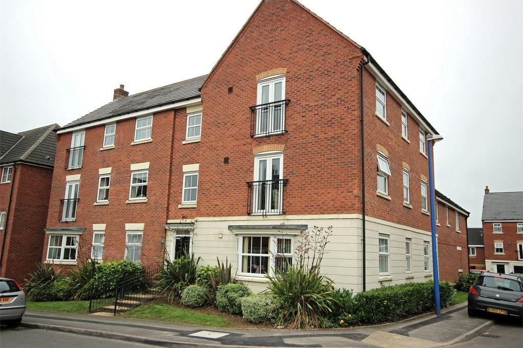 2 Bedrooms Flat for sale in Glaslyn Avenue, ROWLEY REGIS, West Midlands
