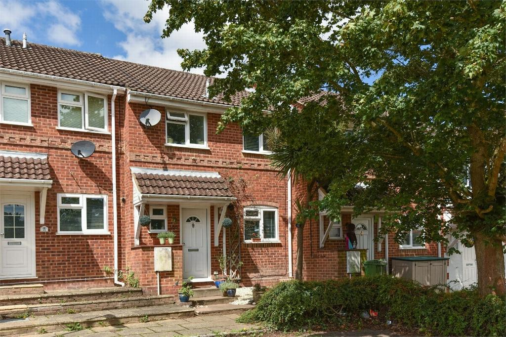 3 Bedrooms Terraced House for sale in Bagshot, Surrey