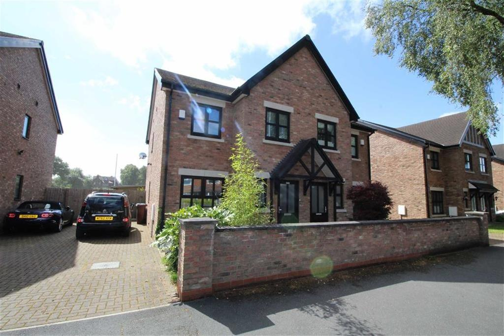 3 Bedrooms Town House for sale in Brantingham Road, Chorlton Cum Hardy, Manchester