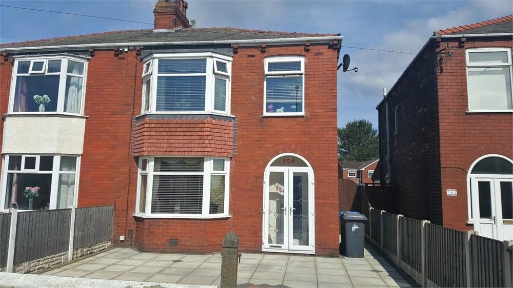 3 Bedrooms Semi Detached House for sale in Moorfield Road, WIDNES, Cheshire