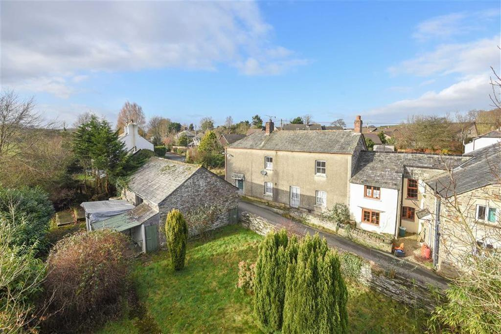 3 Bedrooms Semi Detached House for sale in Yeolmbridge, Launceston, Cornwall, PL15