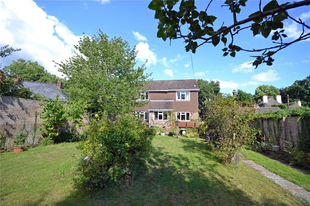 3 Bedrooms Detached House for sale in Brook Hill, Norley Wood, Lymington, Hampshire, SO41