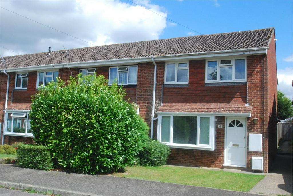 3 Bedrooms End Of Terrace House for sale in Kingswood