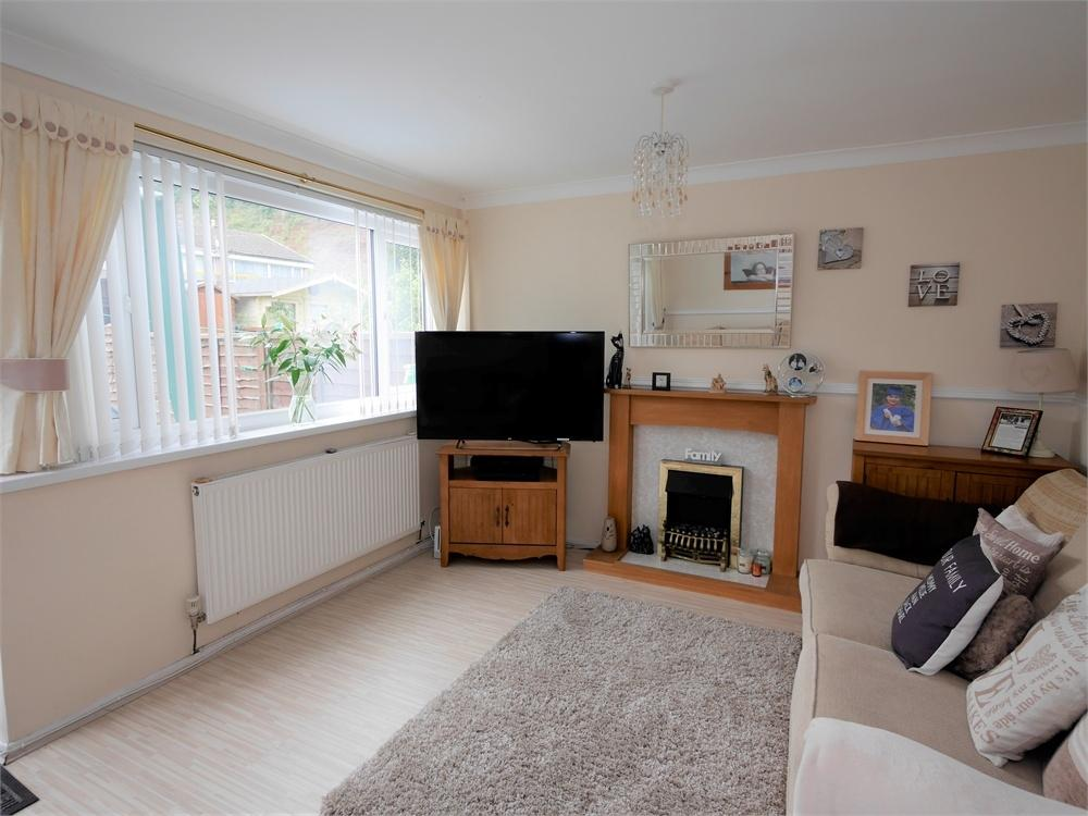 3 Bedrooms Terraced House for sale in Brangwyn Close, Cogan