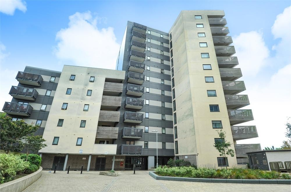 1 Bedroom Flat for sale in Dominion House, The Avenue, Ealing, London