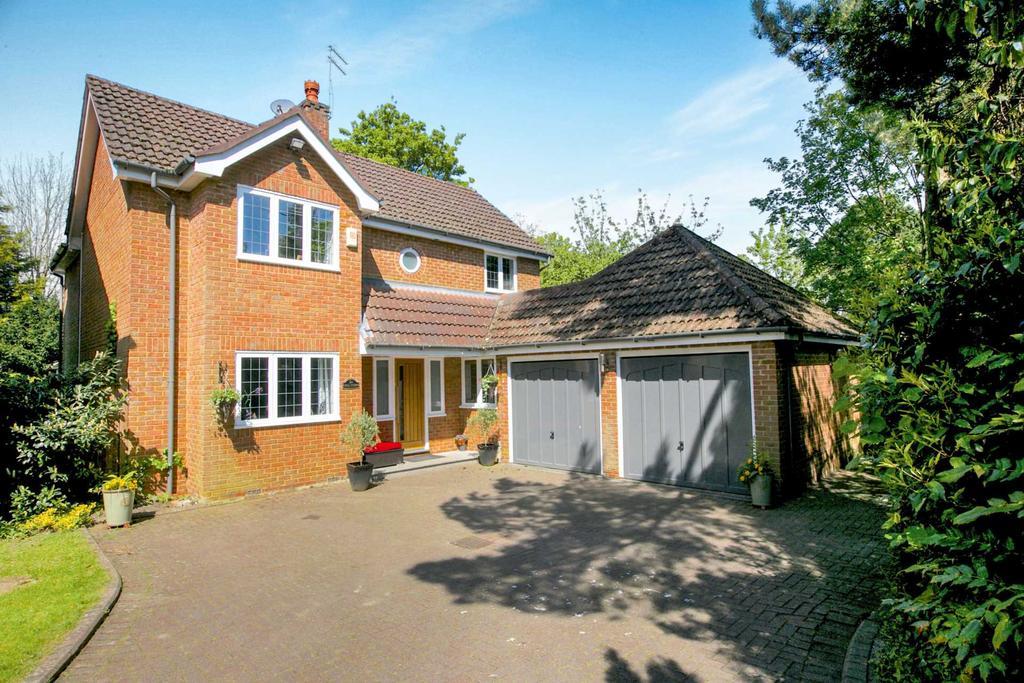 4 Bedrooms Detached House for sale in Highfield Road, Hazel Grove