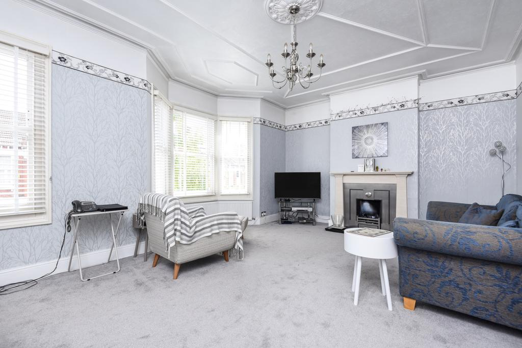 3 Bedrooms Flat for sale in Byne Road Sydenham SE26