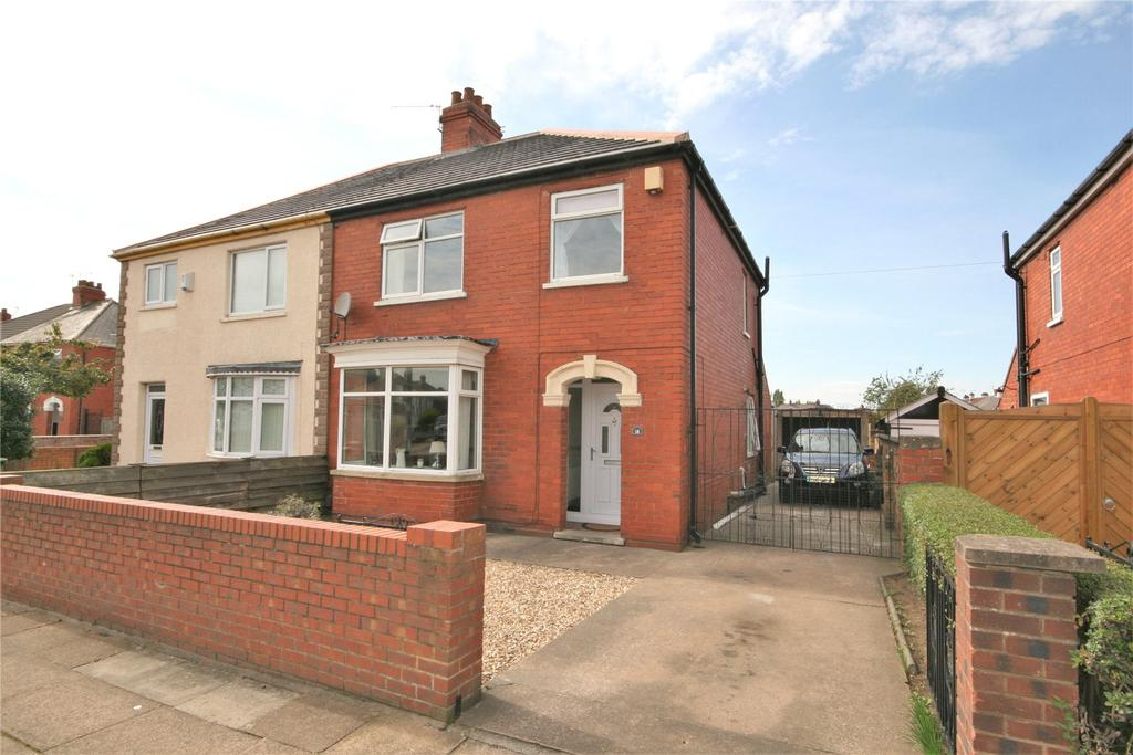 3 Bedrooms Semi Detached House for sale in Marshall Avenue, Grimsby, DN34