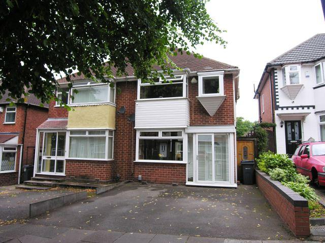 3 Bedrooms Semi Detached House for sale in Harbeck Avenue,Great Barr,Birmingham
