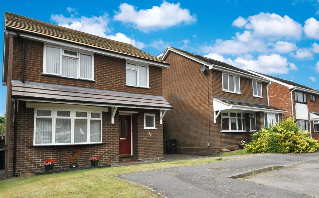 3 Bedrooms Detached House for sale in Fontmell Close, St. Albans, Hertfordshire