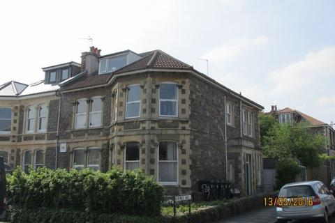 Flat to rent - Chesterfield Road, St. Andrews, BRISTOL, BS6