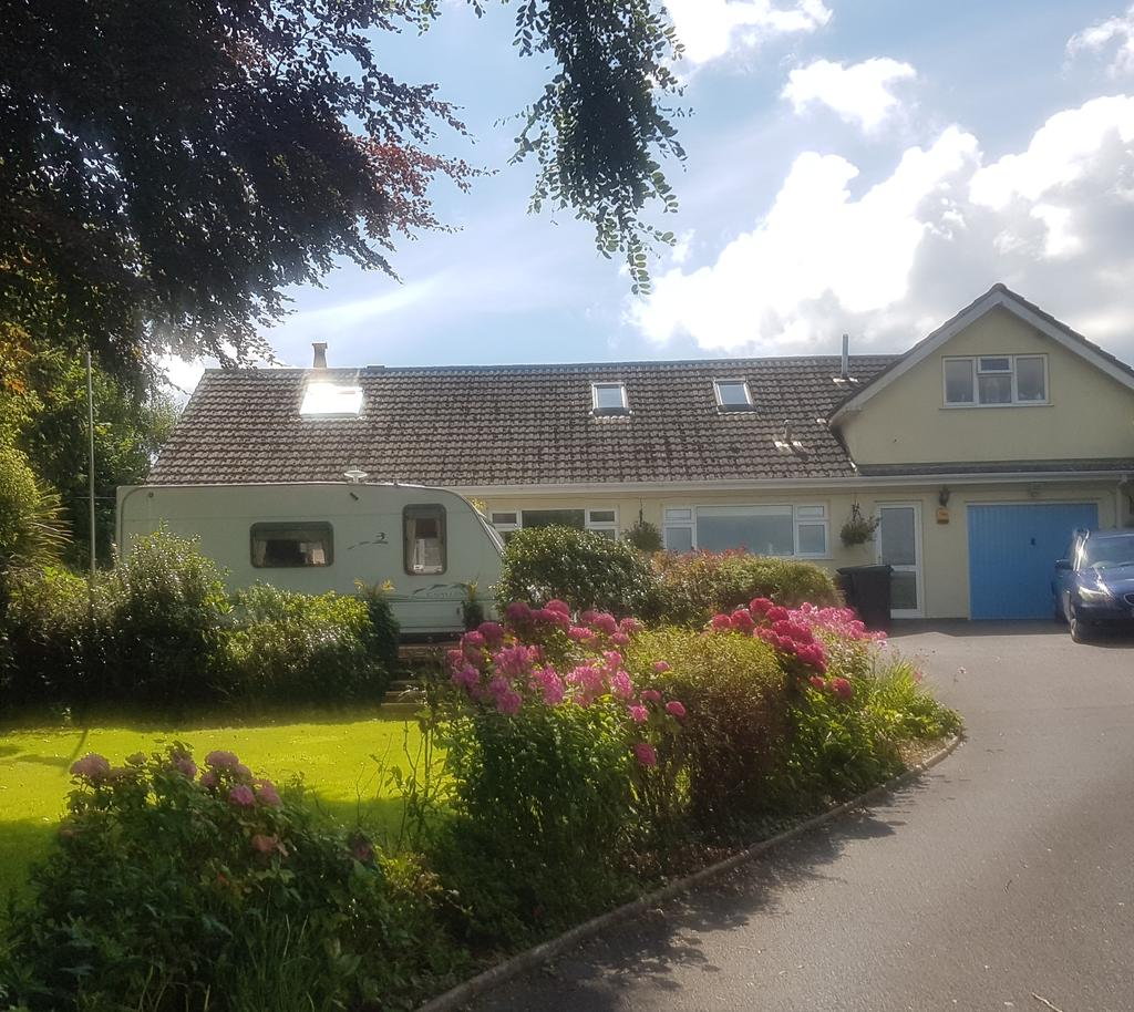 4 Bedrooms Detached Bungalow for sale in Kilmington, Axminster,