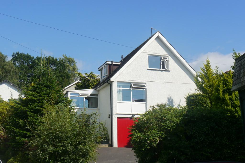 4 Bedrooms Detached House for sale in Swiss Cottage Birch Road, Ambleside LA22 0EQ