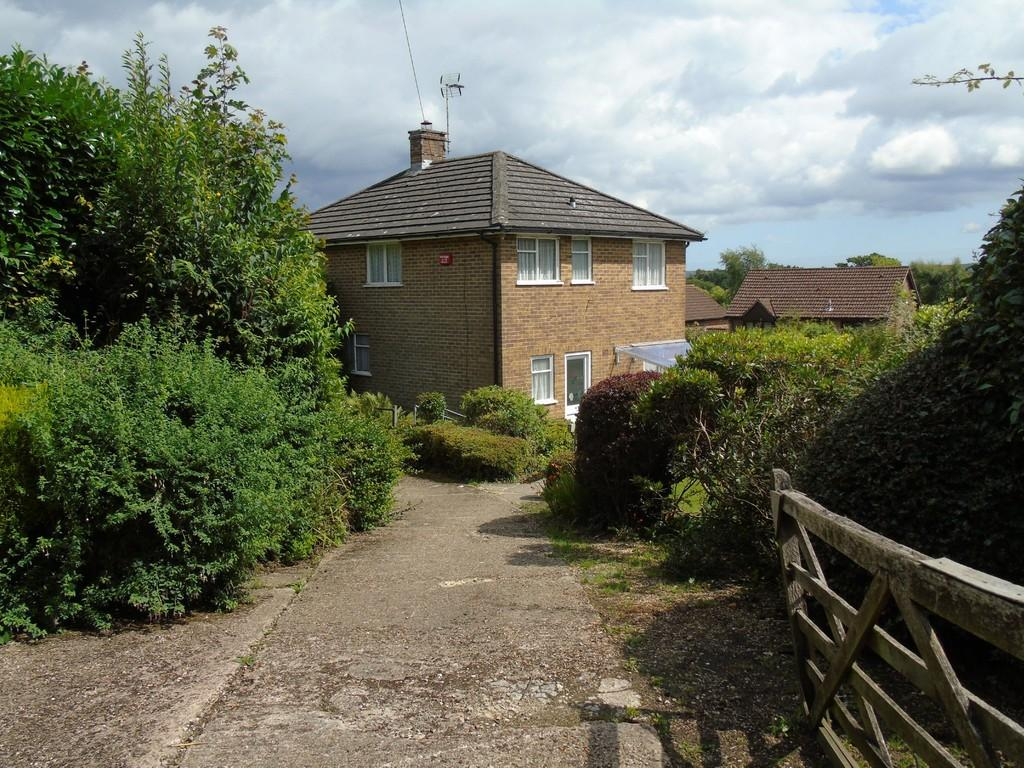 3 Bedrooms Detached House for sale in East Grinstead, West Sussex