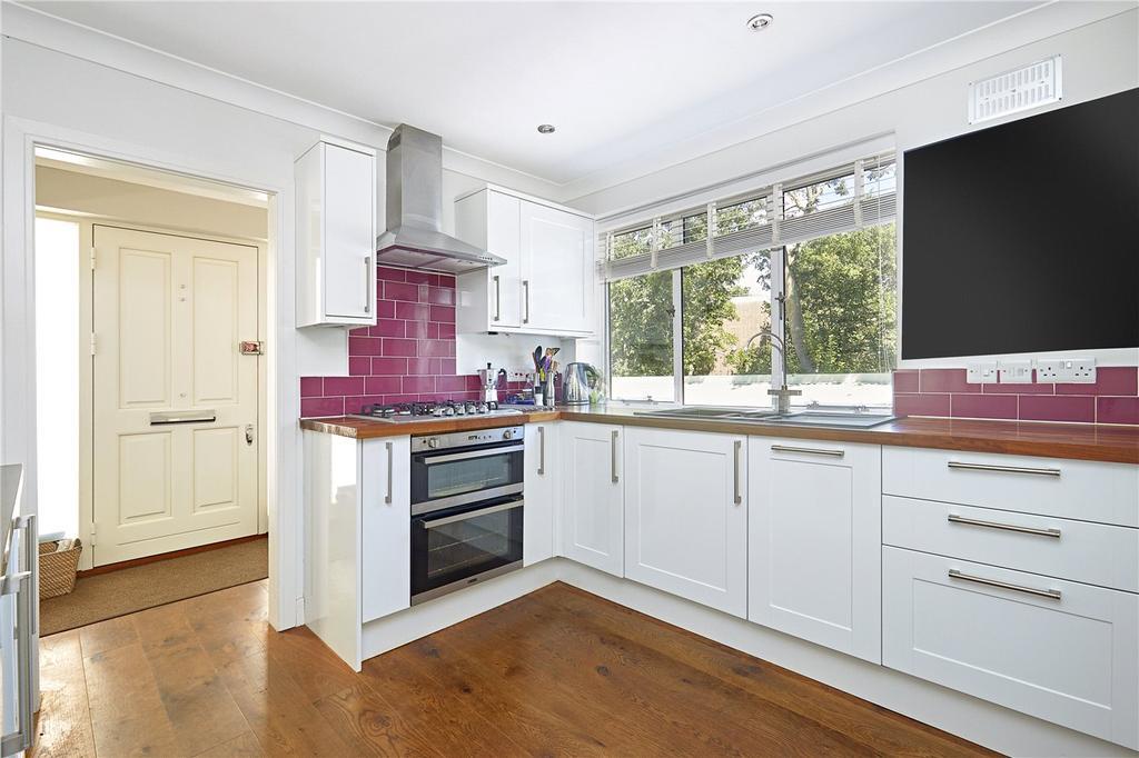 3 Bedrooms Flat for sale in Heath Rise, Kersfield Road, London, SW15