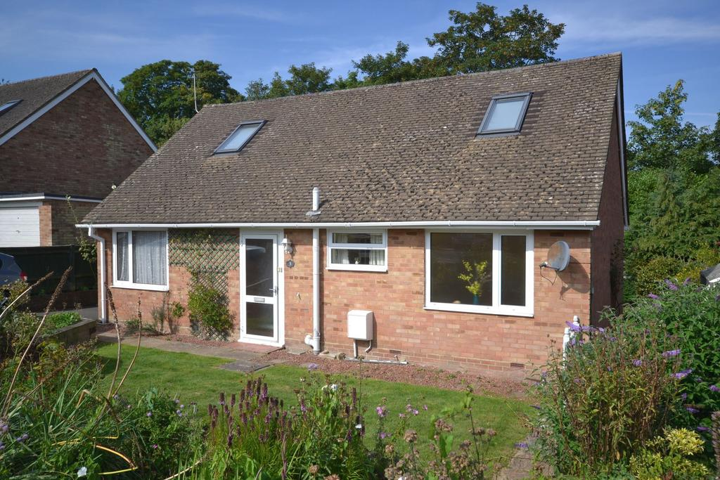 3 Bedrooms Bungalow for sale in Tenterden, TN30