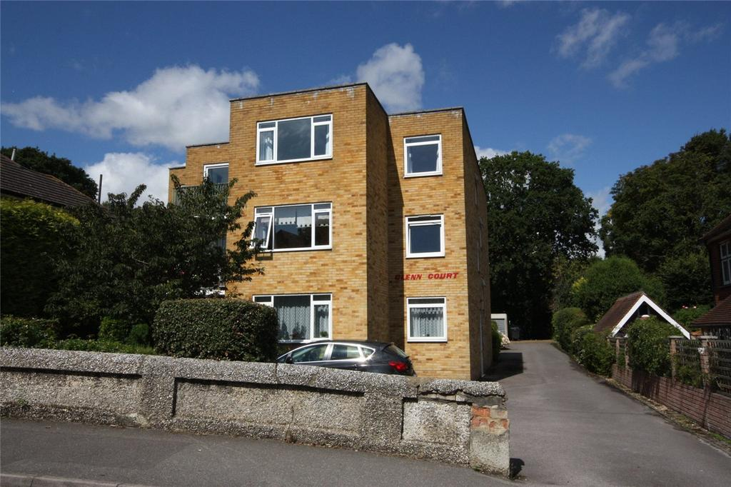 2 Bedrooms Flat for sale in Glenn Court, 14 Beaufort Road, Bournemouth, Dorset, BH6