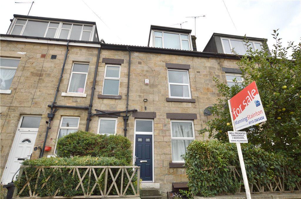 3 Bedrooms Terraced House for sale in Wellington Grove, Bramley, Leeds