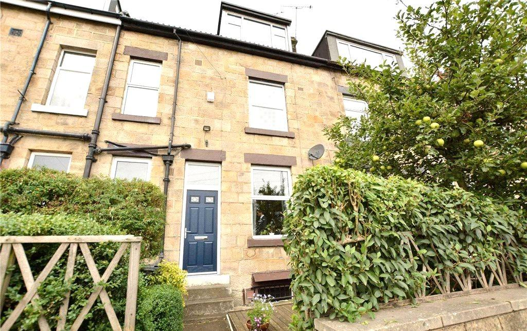 3 Bedrooms Terraced House for sale in Wellington Grove, Bramley, Leeds