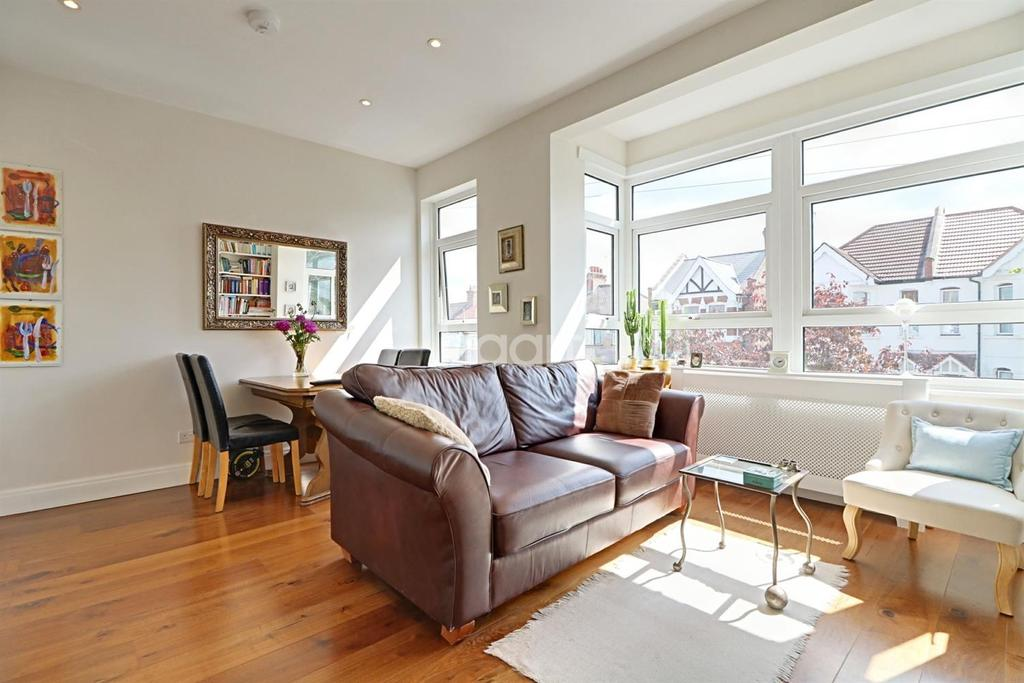 2 Bedrooms Maisonette Flat for sale in Central Road, Wembley