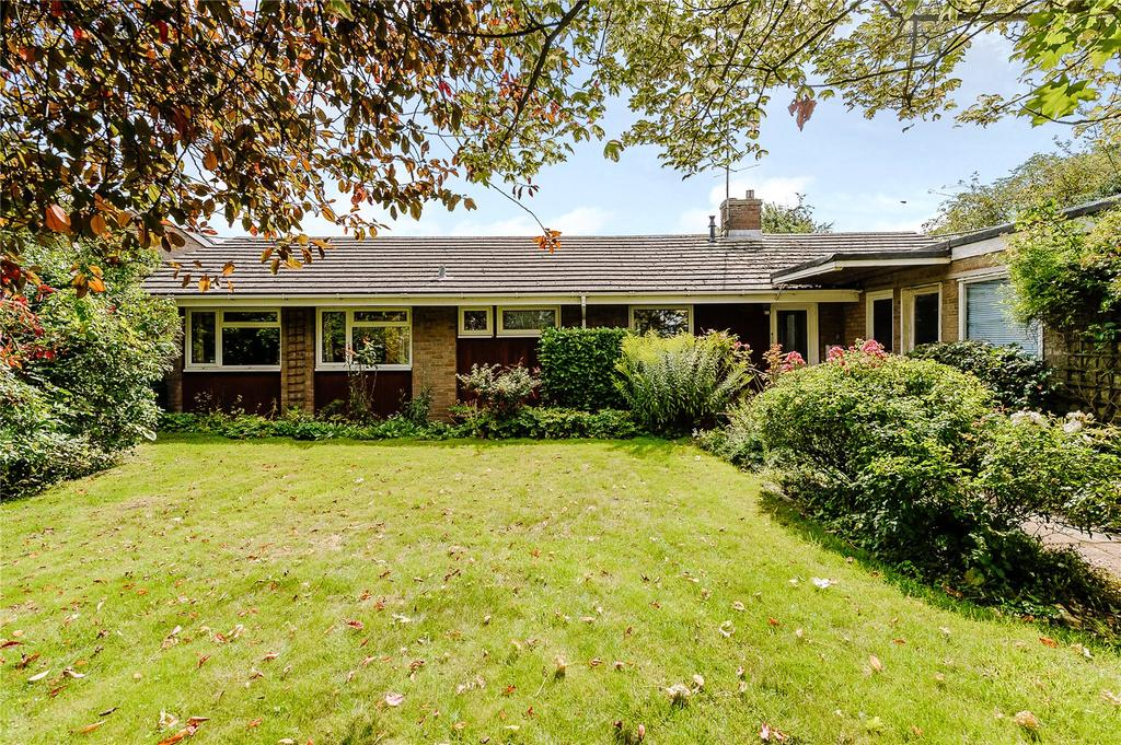 3 Bedrooms Detached Bungalow for sale in Pettitts Lane, Dry Drayton, Cambridge