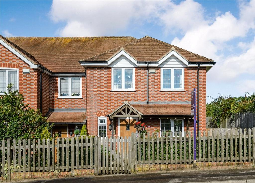 3 Bedrooms House for sale in Bakery Cottages, Cold Ash Hill, Cold Ash, Thatcham, RG18
