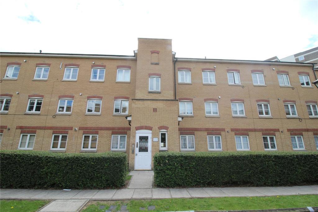 1 Bedroom Apartment Flat for sale in Tallis Court, Kidman Close, Romford, RM2