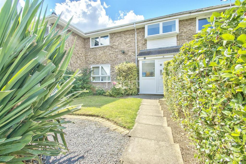 3 Bedrooms Terraced House for sale in Pyhill, Bretton, Peterborough