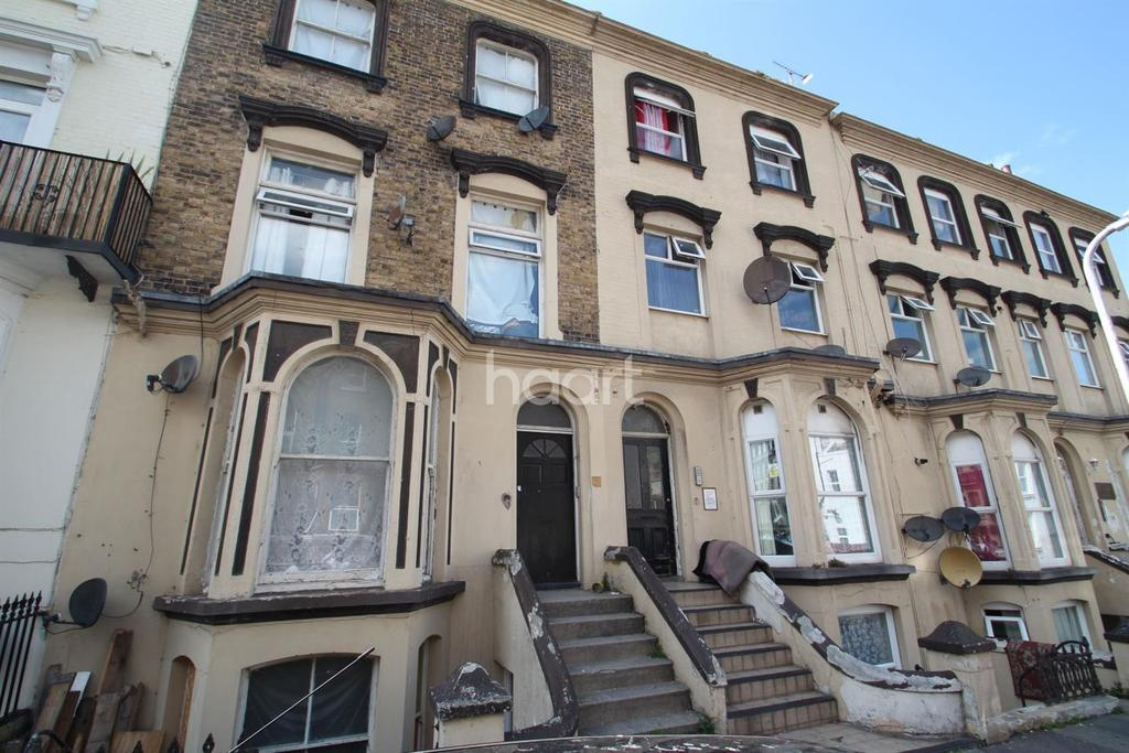 2 Bedrooms Flat for sale in Athelstan Road, Margate, CT9