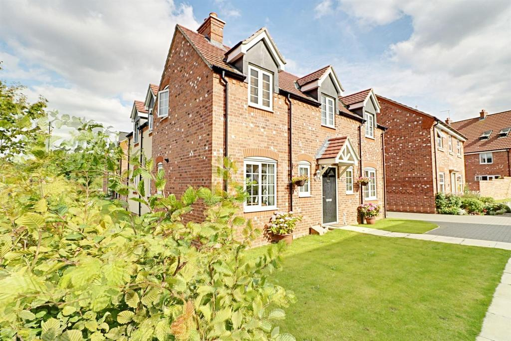 3 Bedrooms Detached House for sale in Poppy Road, Witham St Hughs