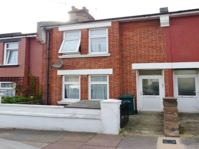 2 Bedrooms House for rent in Redvers Road, Brighton,