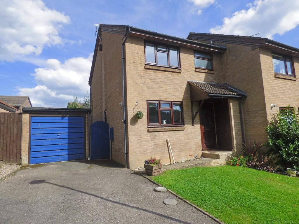3 Bedrooms Semi Detached House for sale in Creekmoor, Poole