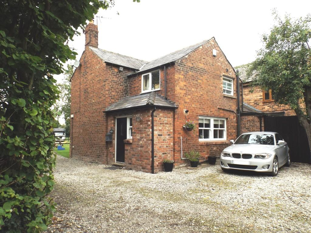 3 Bedrooms Cottage House for sale in Plant Lane, Moston