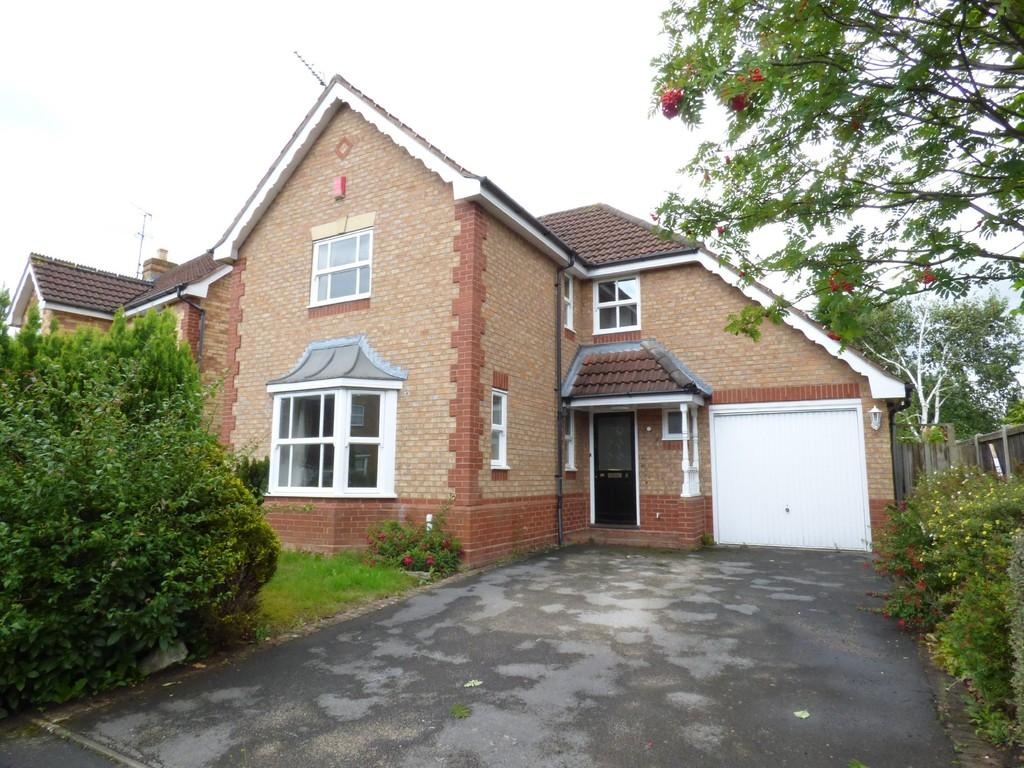 4 Bedrooms Detached House for sale in Cole Drive, Stafford