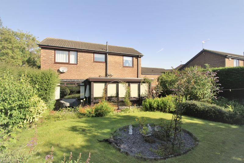 3 Bedrooms Detached House for sale in The Vale, Stockton, TS19 0LX