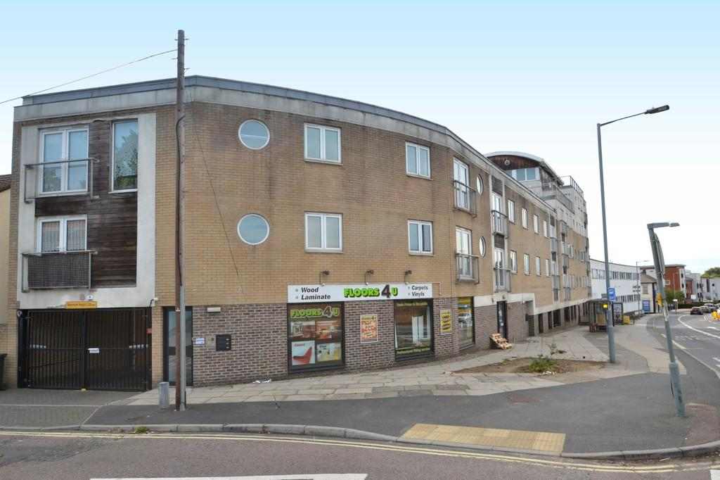2 Bedrooms Apartment Flat for sale in Fore Hamlet, Ipswich, IP3 8AF