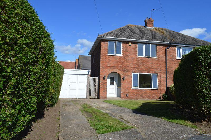 3 Bedrooms Semi Detached House for sale in Berkeley Drive, Lincoln