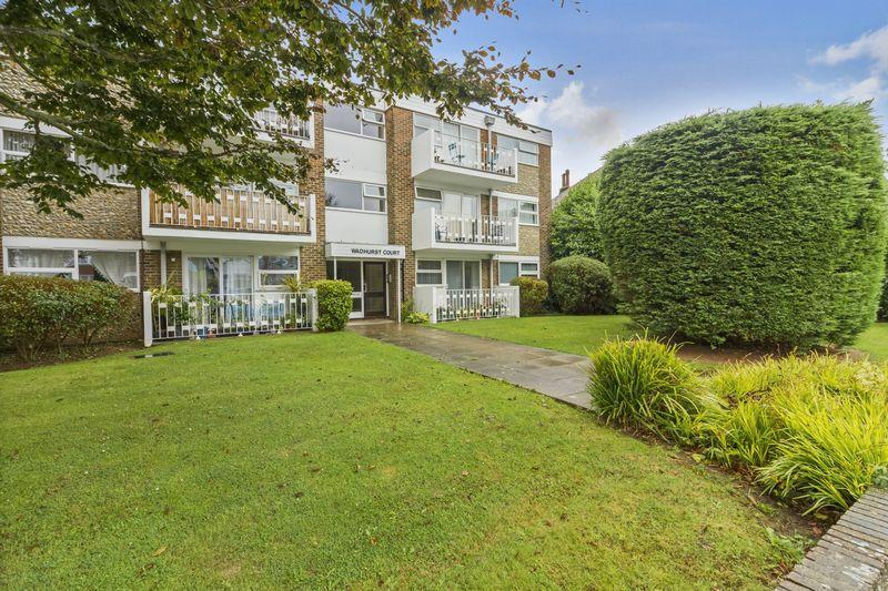 2 Bedrooms Ground Flat for sale in Downview Road, Worthing