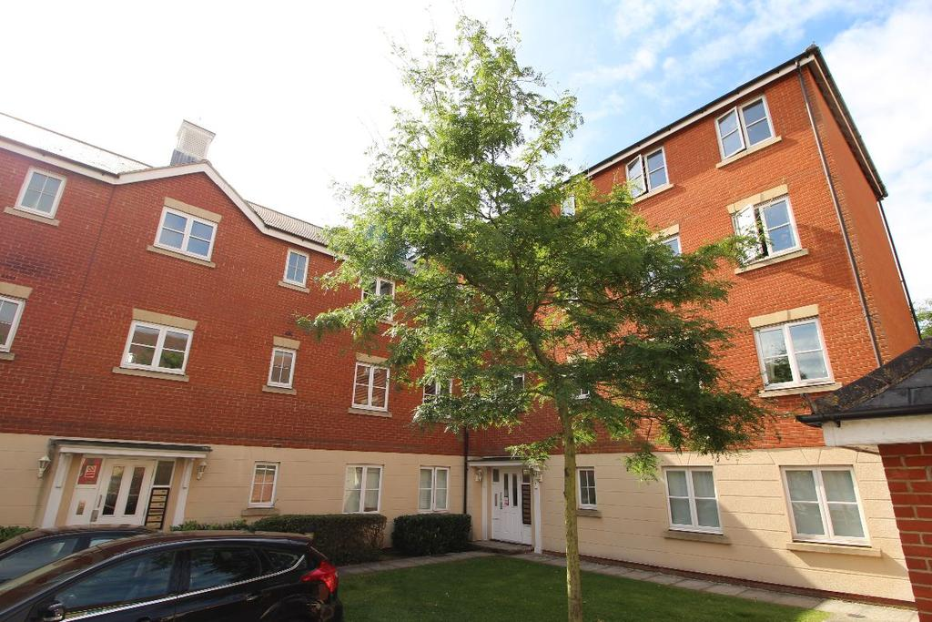 2 Bedrooms Apartment Flat for sale in Halcyon Close, Witham Essex CM8 1GW